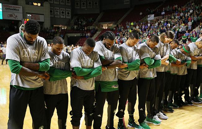 boston-celtics-2016-national-anthem